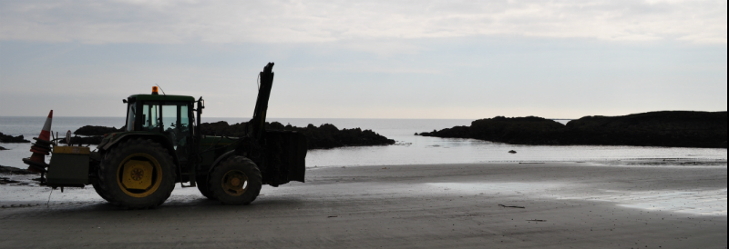 tractor-beach